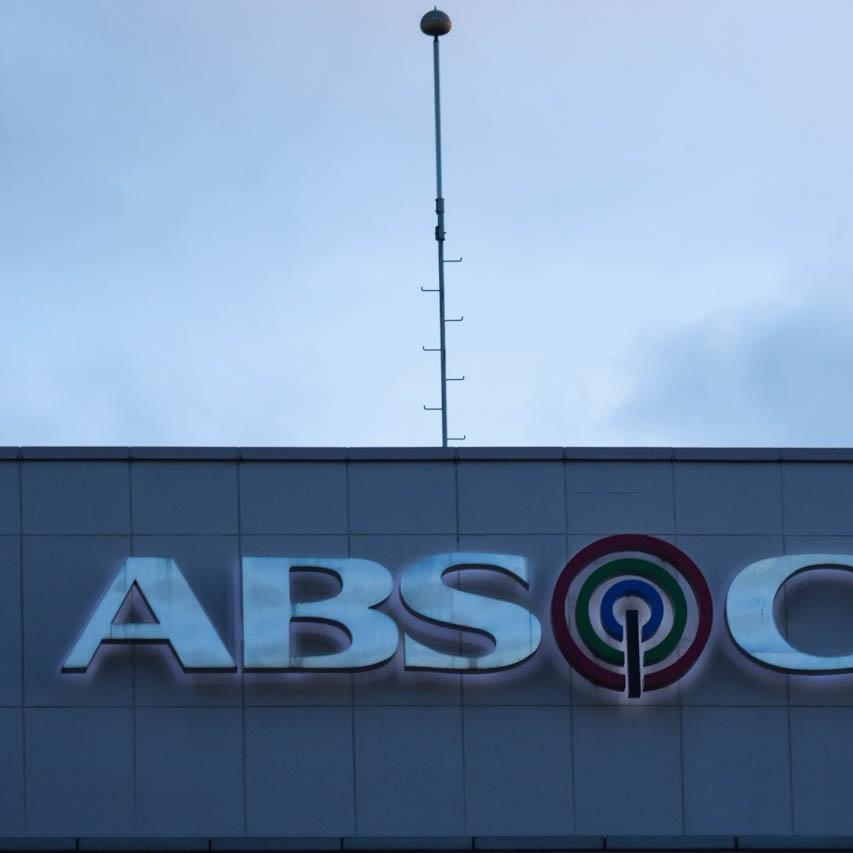 ABS-CBN shares plunge 30%, losing P3.8 billion in market cap - Rappler
