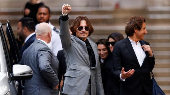 Johnny Depp subasta un poema que escribió a su exprometida Winona Ryder