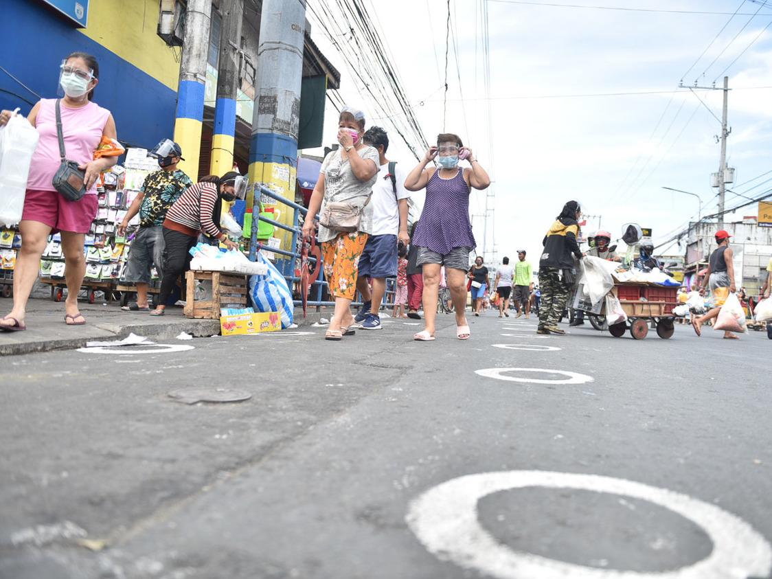 Iloilo City, Koronadal, Bacoor ICUs reach full capacity - Rappler