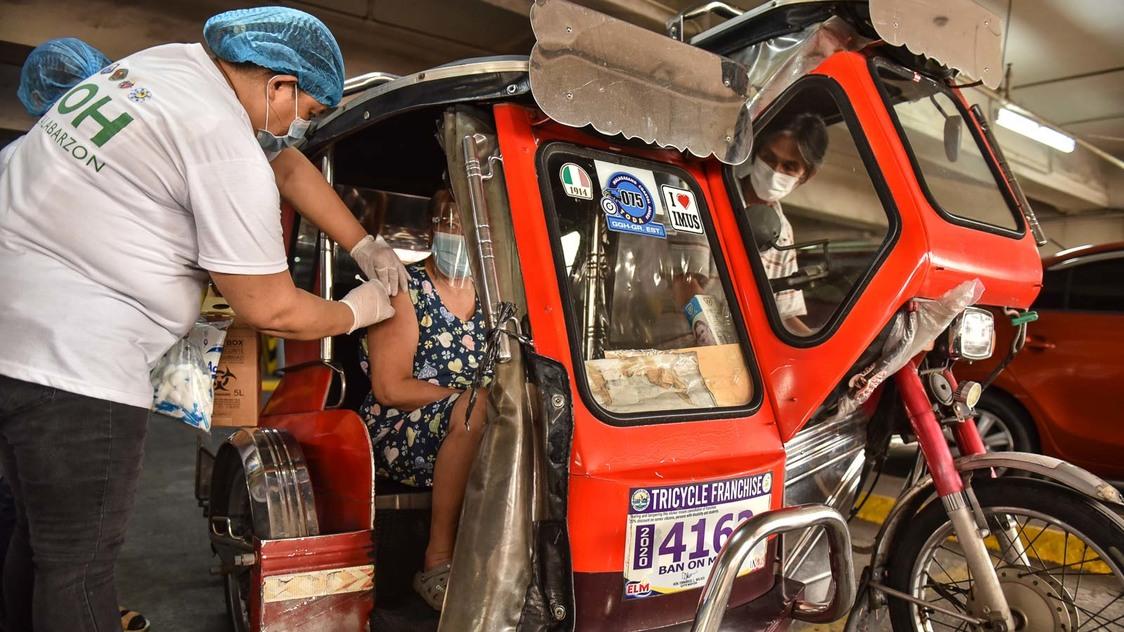 Philippines' COVID-19 cases breach 1.5 million - Rappler