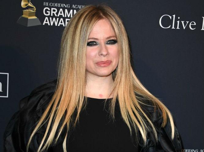 Avril Lavigne Postpones Asian Stops Due To Coronavirus Outbreak