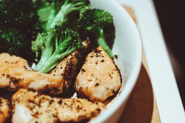 8 Makanan Untuk Membentuk Otot