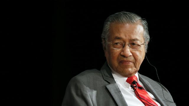 Malaysia's Mahathir calls for Internet censorship