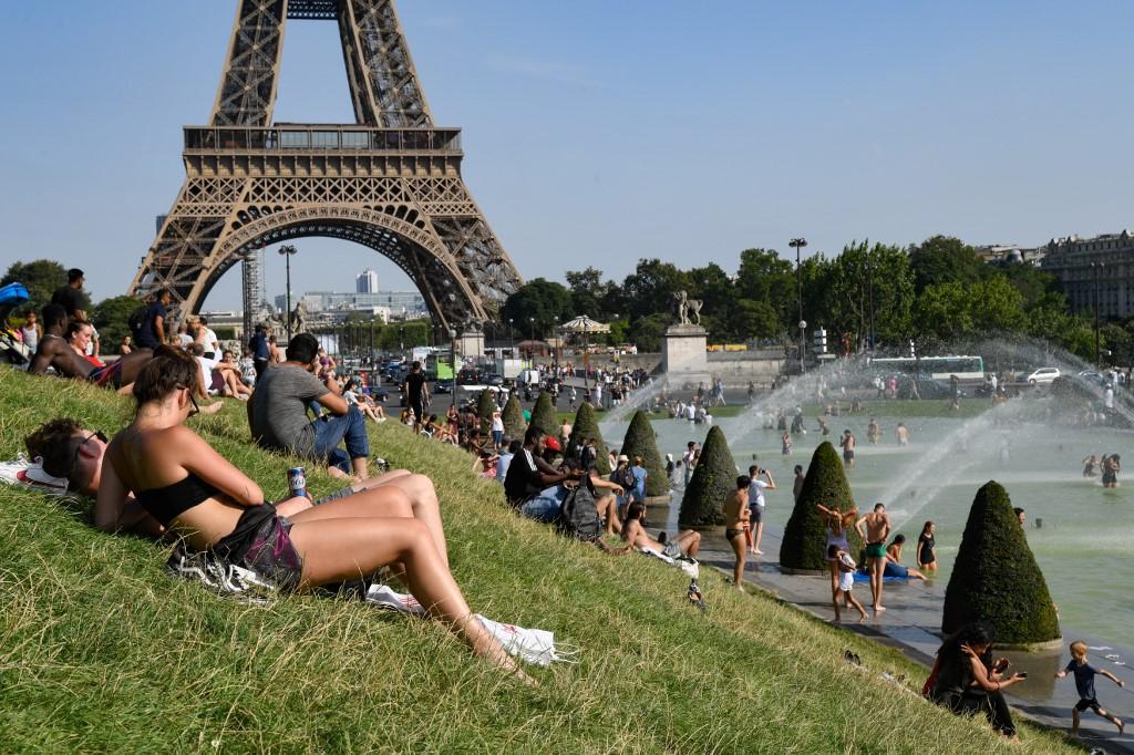 France sweats in new record-breaking Europe heat wave