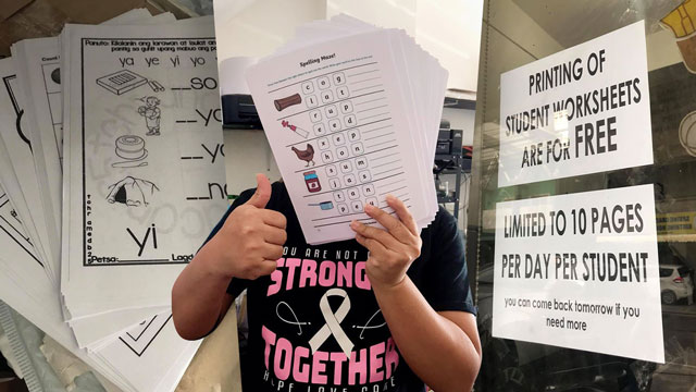 Photographer Offers To Print Student Worksheets For Free During Pandemic