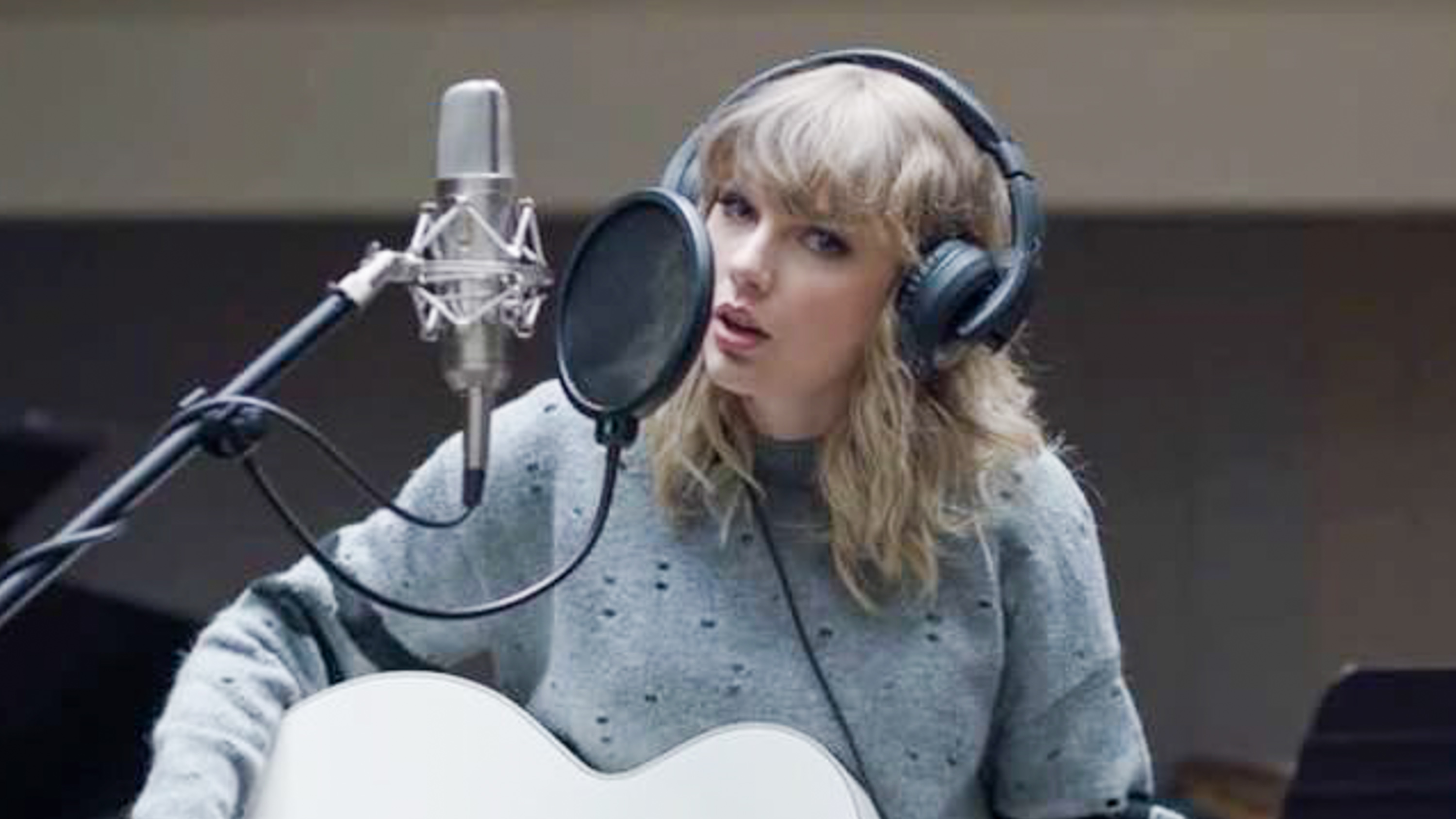 Listen Taylor Swift S New Single Gorgeous