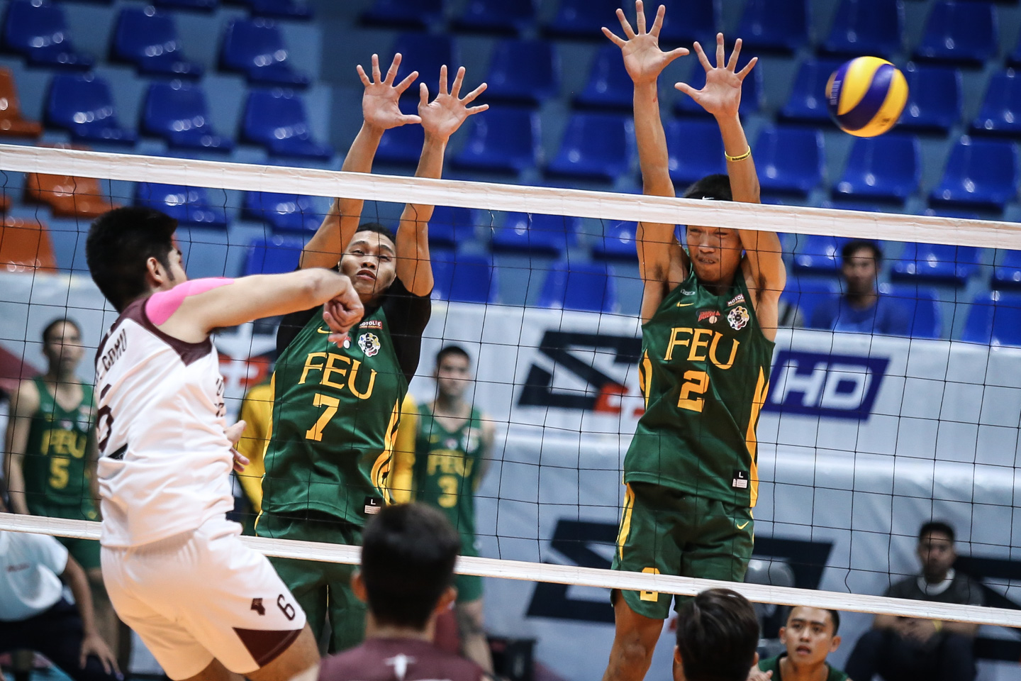Uaap Men S Volleyball Feu Ust Dominate In Straight Sets